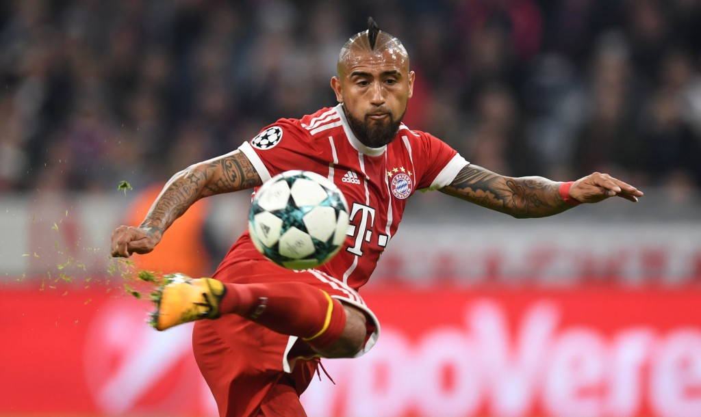 Arturo Vidal vsaj še pol sezone ostaja na Allianz Areni. Vir: ESPN