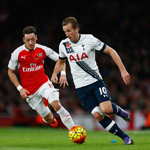 during the Barclays Premier League match between Arsenal and Tottenham Hotspur at the Emirates Stadium on November 8, 2015 in London, England.