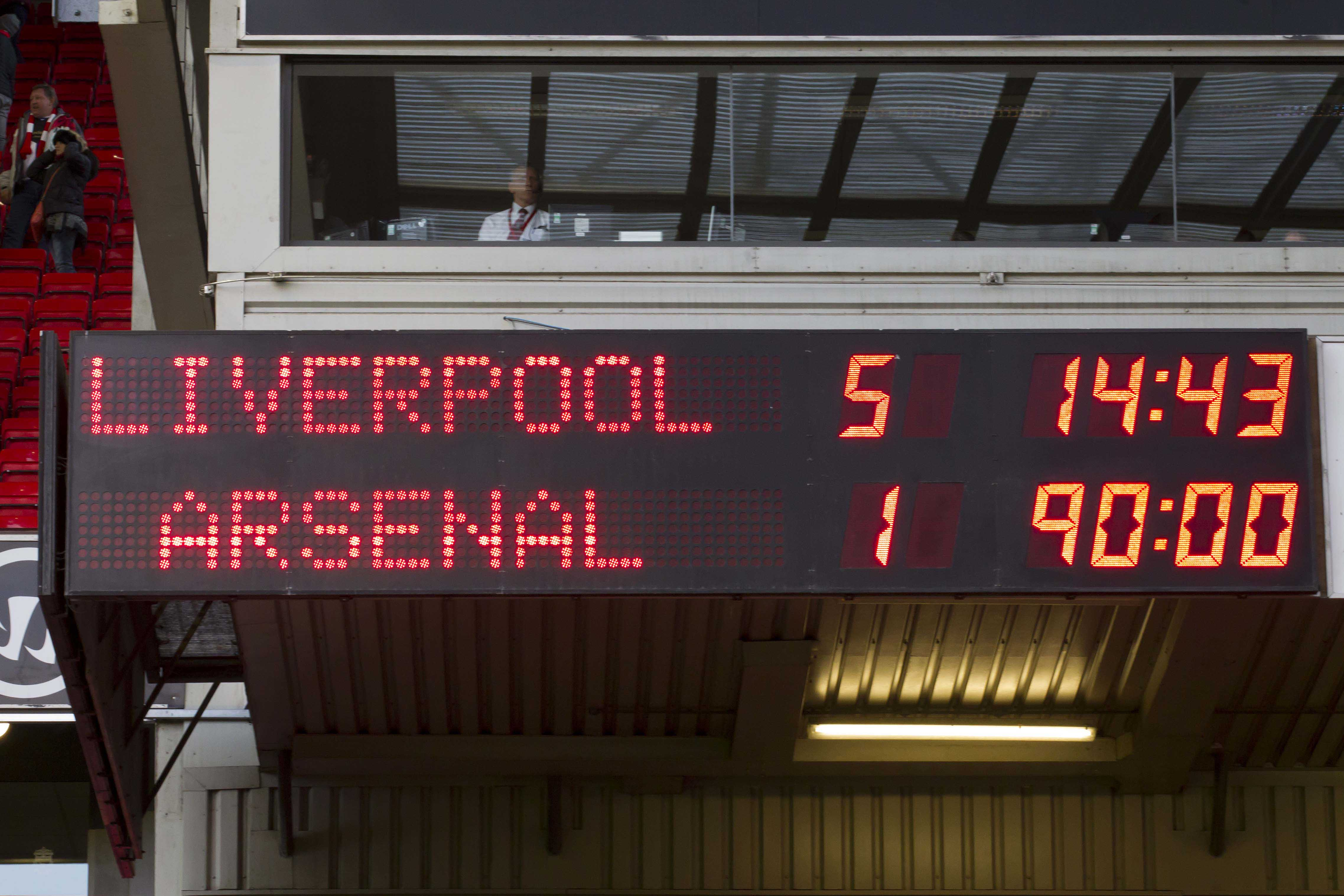 Liverpool je naslednjo sezono doma razbil Arsenal s kar 5:1. Blestel je tudi Suarez, čeprav se med strelce ni vpisal. Vir:  The Anfield Wrap