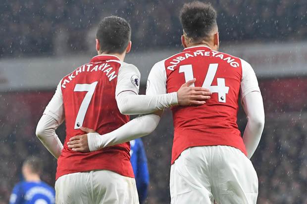 V novi sezoni bo zagotovo veliko odvisno od uigrane Arsenalove naveze nogometašev s številkama 7 in 14. Vir: DailyStar