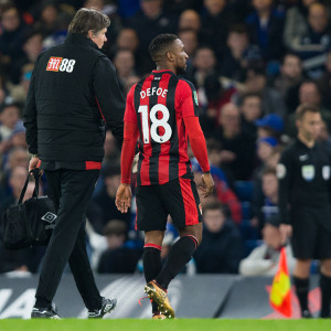 LONDON, ENGLAND - DECEMBER 20: Bournemouth's Jermain Defoe is forced off injured during the Carabao Cup Quarter Final match between Chelsea and Bournemouth at Stamford Bridge on December 20, 2017 in London, England. (Photo by Craig Mercer - CameraSport via Getty Images)